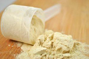 whey-protein-acne-859x570